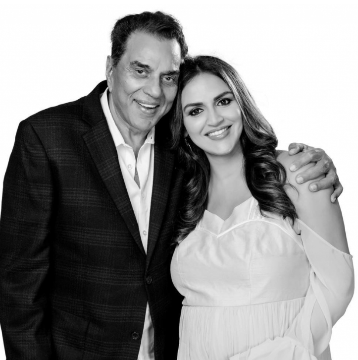 Esha Deol with her Father Dharmendra Singh