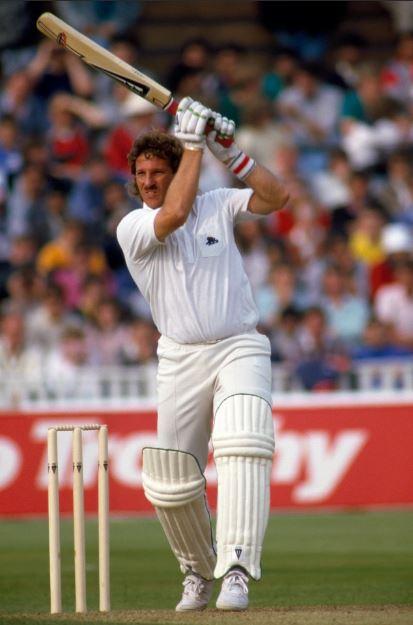 Ian-Botham-Style-of-Batting