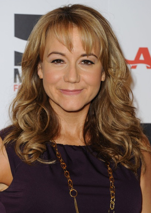 Megyn Price Cleavage Pictures